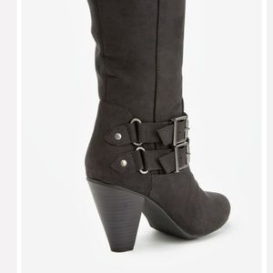 JustFab Shoes - Tall boots size 9